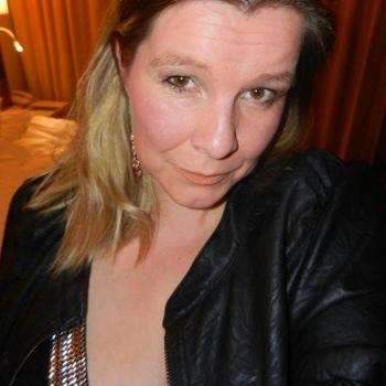 Sex hebben met 51-jarig omaatje uit Noord-Brabant