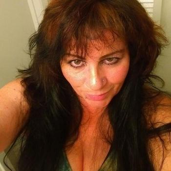 54 jarige vrouw zoekt seksueel contact in Limburg