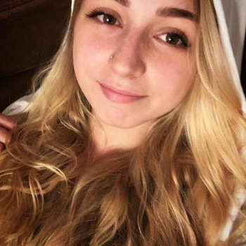 Vrouw (21) zoekt sex in Vlaams-Limburg