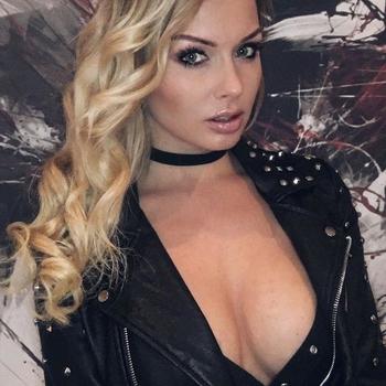 sexcontact met Aissatou