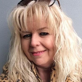 Saga, 58 jarige vrouw zoekt seks in Noord-Holland