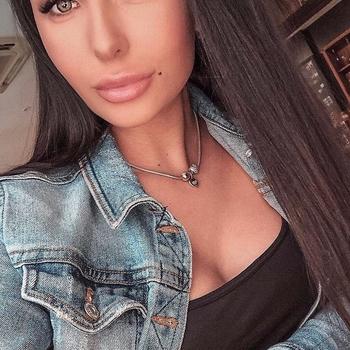 Sexdate met Amandora - Vrouw (20) zoekt man Vlaams-brabant